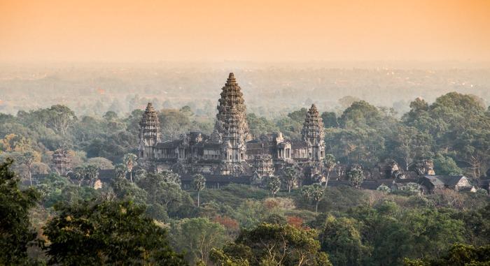 1-slide-cambodia-angkor-wat-temple-pano